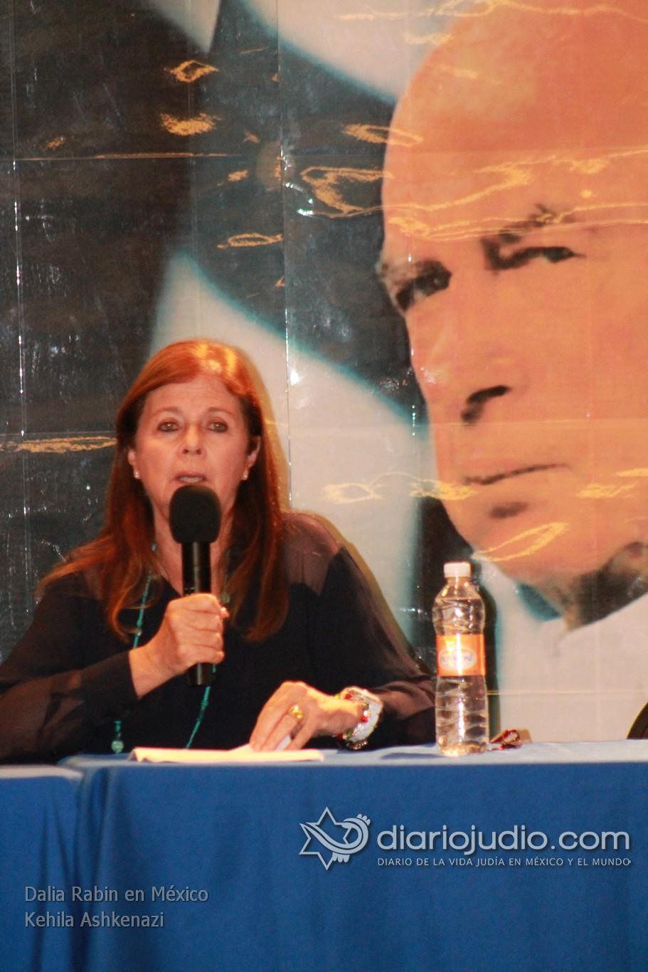 """""""La paz se puede lograr por un solo camino, el Dialogo"""" Rabin"""