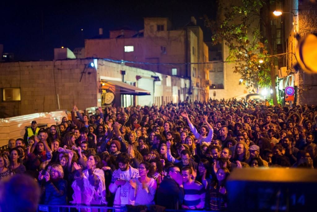 Judíos y árabes se reúnen en Jerusalem para cantar y bailar juntos