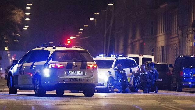 En Copenhague después de una persecución y búsqueda de un sospechoso que duró más de 10 horas, un muchacho nuestro fue asesinado junto con dos policías frente a un bet knesset.
