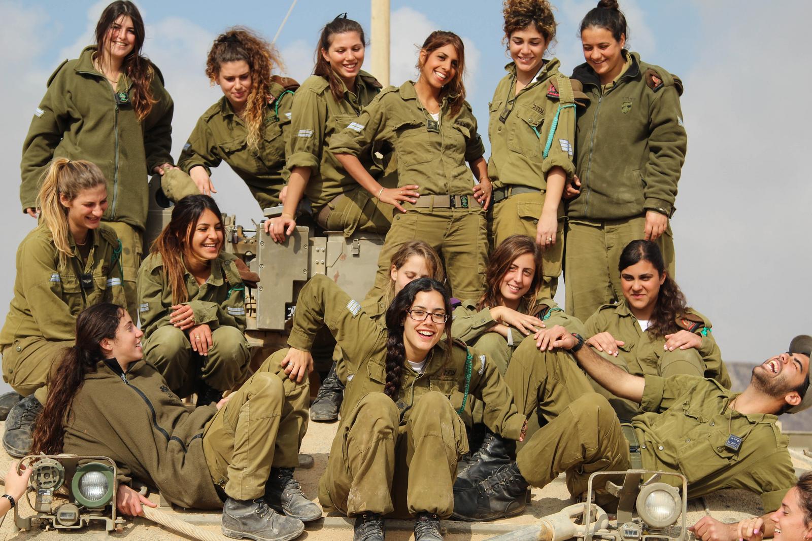 Las Chicas del ejercito de Israel nos sorprenden-Los Videos de la semana