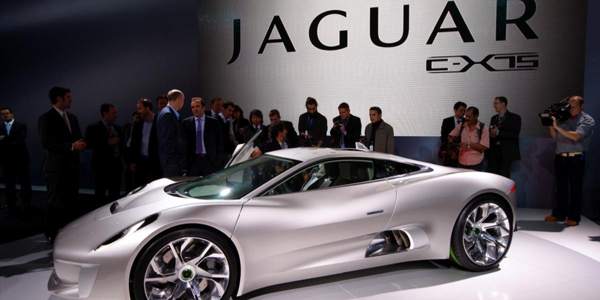 Felipe Massa Impulsa Superdeportivo Bonos Villain de Jaguar C- X75 En La Ciudad De México