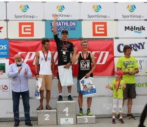 Joven Mexicano Israeli Gana en Triatlon (2)