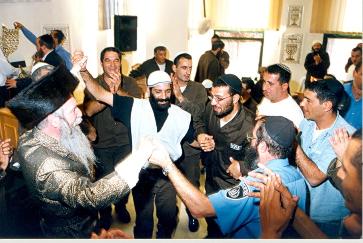 ¿Judíos en la Cárcel en Jánuca? Una leccion de Rab Grossman