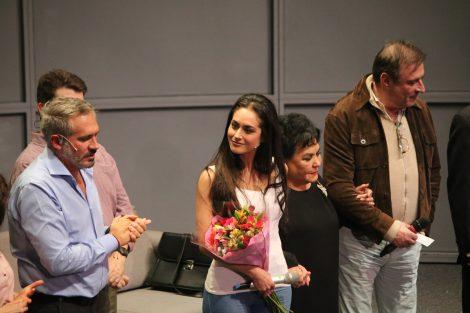 Morris Gilbert y Bajo terapia da la bienvenida en su elenco a Wendy Braga